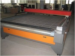 Semi Auto Laser Cloth Cutting Machine
