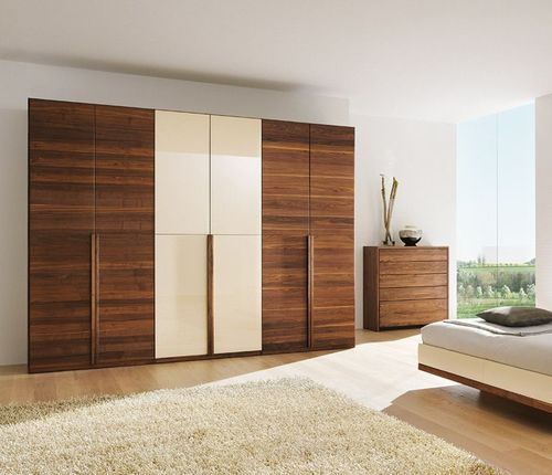 . Bedroom Wardrobe                    Wooden Wardrobe