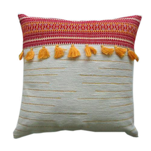 Sai Exports, Noida - Manufacturer of Assorted Pillows and Baby Quilts