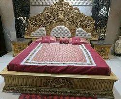 Teskwood Antique Mahsraja wooden bed, Size: 6.5x6