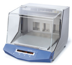 Laboratory Bench Top  Incubator Shaker
