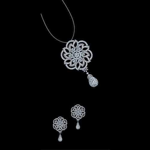 Vihaan jewels party wear 18k gold diamond pendant set rs 350000 vihaan jewels party wear 18k gold diamond pendant set aloadofball Image collections
