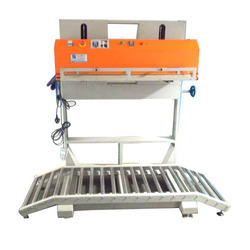 Continuous Sealing and Vacuum Machine, Capacity: 5-10 Bags/min
