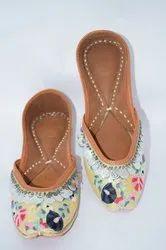 Women Genuine Leather Dabka Punjabi Jutti