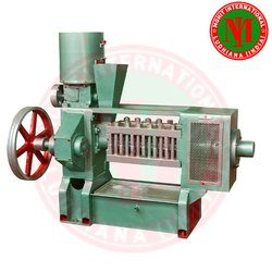 Groundnut Oil Extraction Machine / Oil Expeller Mohit 100 Old Model