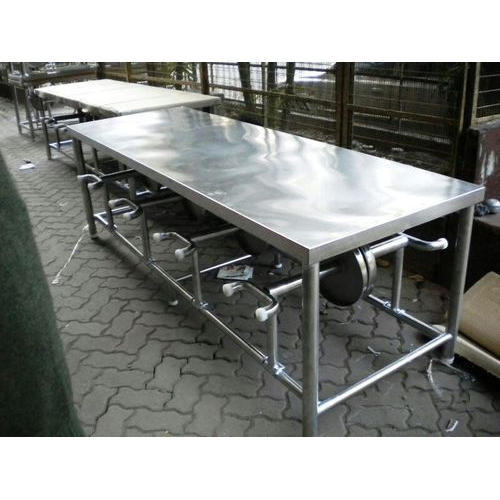 White ss Set Of Dining Table, For Restaurant