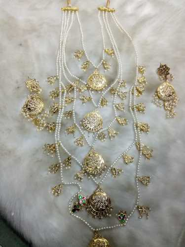Elegant White Jadau Jewelry Set