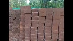 Laterat Soil And Cement Red Soil Mud Bricks, Size: 11x8x6