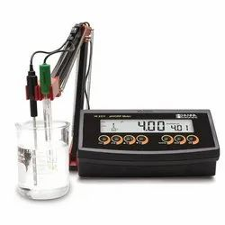 HI2222 Benchtop PH/MV Meter With Cal Check