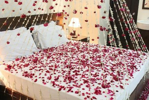 Honey moon bed decoration