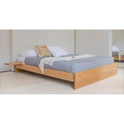Brown Designer Wooden Double Bed, Size: 137 x 187 cm