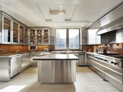 Stainless Steel Kitchen With Self Glass Door