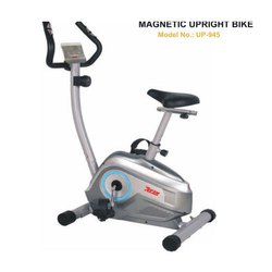 UP 945 Magnetic Upright Bike