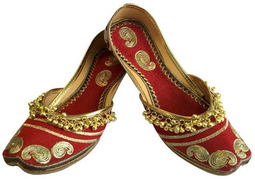 d61ad13ce9d5 Leather Ladies Red Mojari Punjabi Jutti