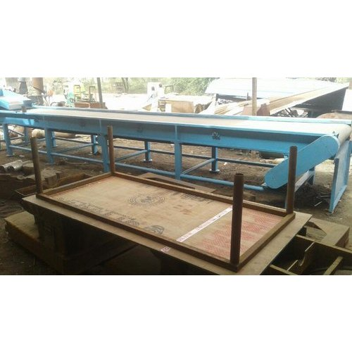 Iron Conveyor Belt With Vibrator