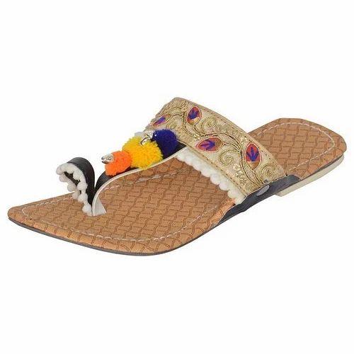 Multicolor Ladies Designer Slipper, Rs
