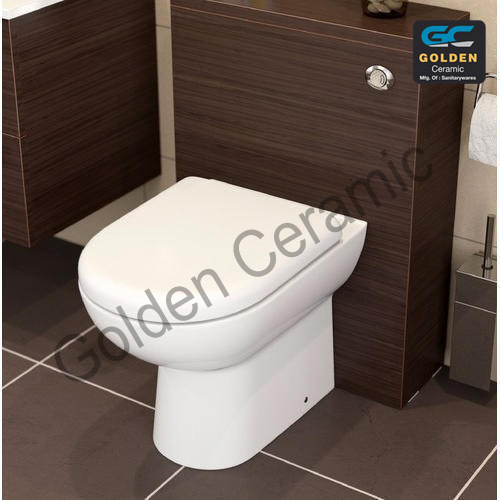 Golden Ceramic Closed Front Western Water Closet, for Bathroom Fitting