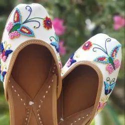 Butterfly Handcrafted Punjabi Jutti