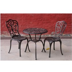 2 Chair and 1 Round Table Wrought Iron Furniture