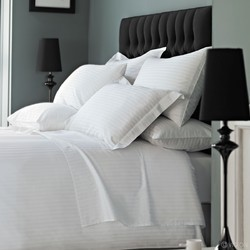 Hotel Bedding Set in Satin Stripes