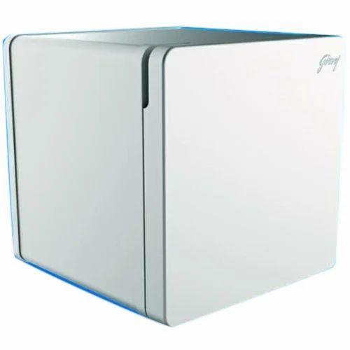 mini beverage fridge with lock