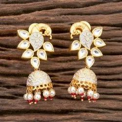 Brass Kundan Gold Plated Jhumki Earring 350287
