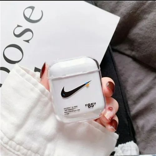 bosque Gestionar franja  Plastic Apple Airpod Transparent Case, Rs 200 /piece H Collections   ID:  21790069730