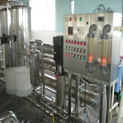 Bottle Filling Packaged Drinking Water Plant, Bottle Filling Capacity: 10 Bottle/min, Chiller Cooling Capacity: 500 L
