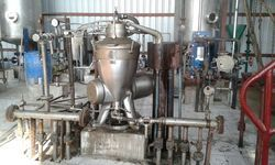 Oil Centrifugal Machine, Capacity: 25-500tpd