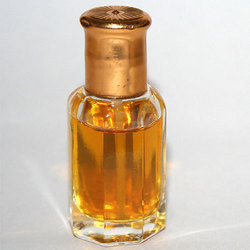 Concentrated Perfume Oil Gul Hina Attar, Packaging Type: Bottle, Packaging Size: 500 ml