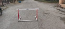 Roxan Track Hurdle