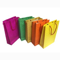 Gift Printed Paper Bags, For Gifting, Capacity: 1-5 Kg
