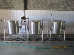 SS Single Jacketed Steam Cooking Vessels With Shallow Fryer