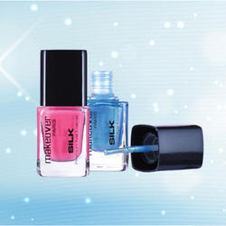 Makeover Silk Premium Nail Enamel, for Personal and Parlour