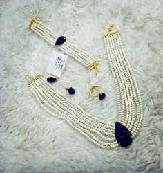 White American Diamon Stone Necklace Set