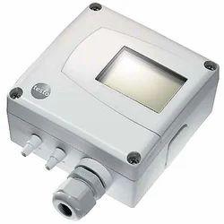 Pressure transmitter for differential pressure