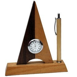 Triangle Wooden Pen Stand