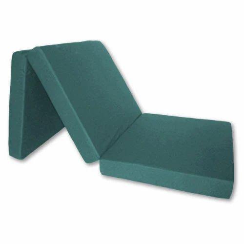 Plain Folding Foam Mattress Thickness 15 To 20 Mm