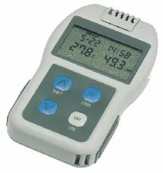 Palm-Sized Temperature/Humidity Data Loggers