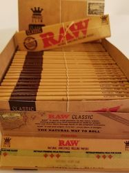 JK and Bilt Raw Organic Connoisseur Kingsize Slim Papers With Tips, GSM: Less than 80, 80 - 120