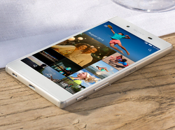 Xperia Z5 Dual Sony Mobile Phone