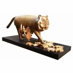 Bronze And Wood Sculpture, For Decoration, Size: 45 Inch