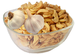 Dehydrated Garlic Flakes /cloves., Packaging: Plastic Bag or Polythen