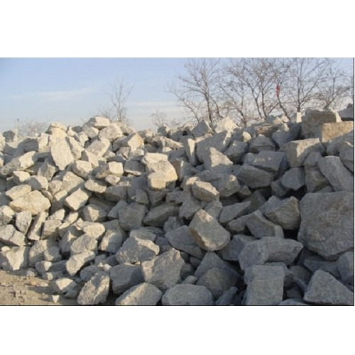 R K Marble Grey Trap Rock, Size: 25-40 Cm, Packaging Type: 2-3 Ton
