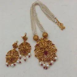 Karishma Kreations Matte Finish Temple Jewellery Set - Pearl04