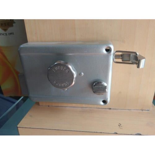 Wooden Door Locks - Concealed Door Closer Manufacturer from