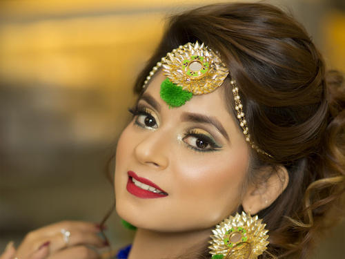 Mehndi Makeup And Hairstyle : Fashion designers services bridal makeup service