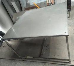 S.s. 304 FOR PHARMACEUTICAL Steel Table