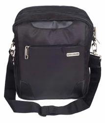 Black Traviti Casual Travel Sling Bag