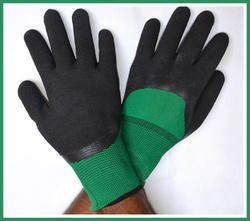 Green Nylon Shell With Black Crinkle Latex Three Fourth Coated Gloves